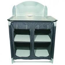 Mobiletti per la cucina: accanto frigo e lavello il loro posto